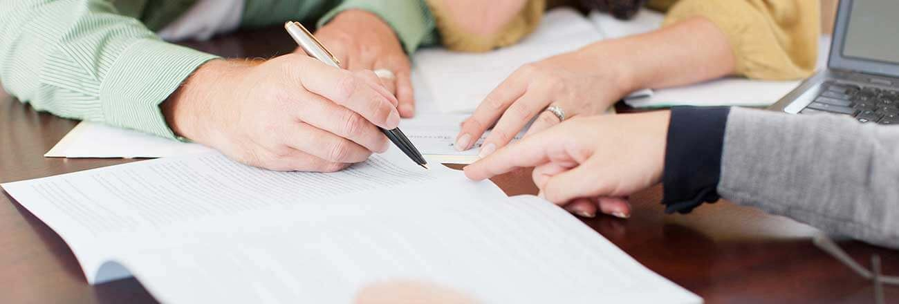 Bexley-Commercial-Signing-Papers