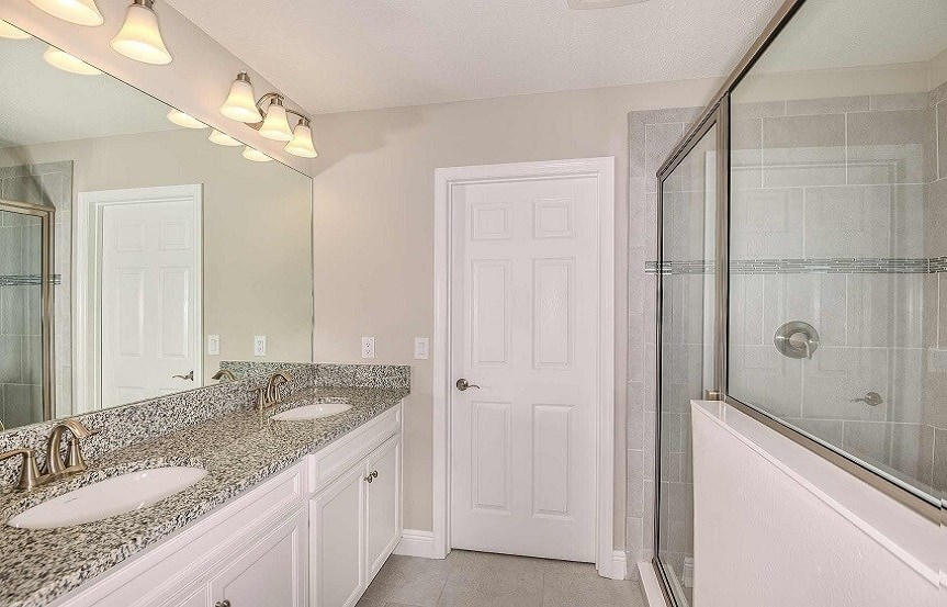 Bexley Homes by WestBay Kingfisher master bathroom