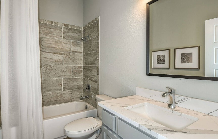 cardel-homes-tampa-bexley-model-home-henley-secondary-bathroom-3.jpg
